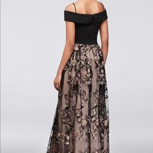 Size 10 Nightway Embroidered Prom Dress